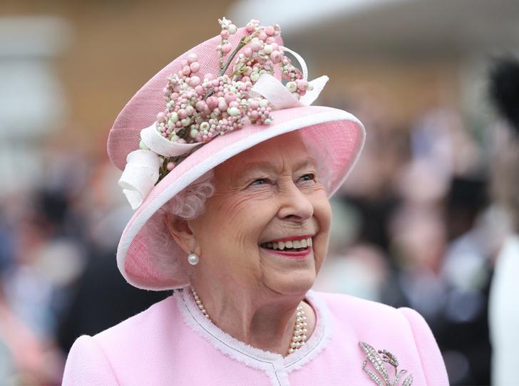 Фото №1 - Королева назначила нового придворного поэта