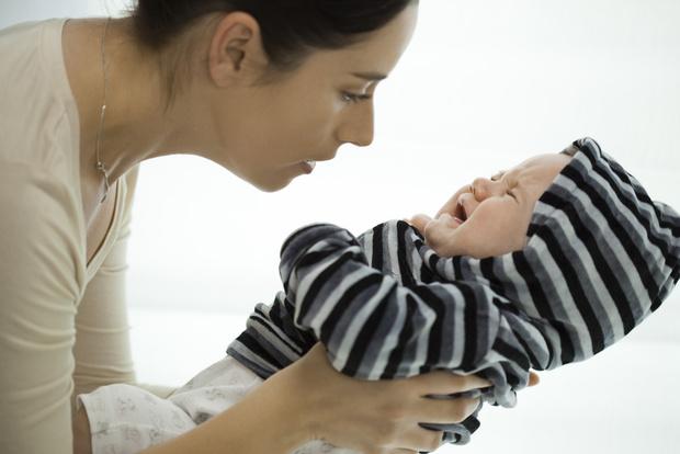 Фото №1 - Забота или гиперопека? Как с рождения приучить ребенка к самостоятельности