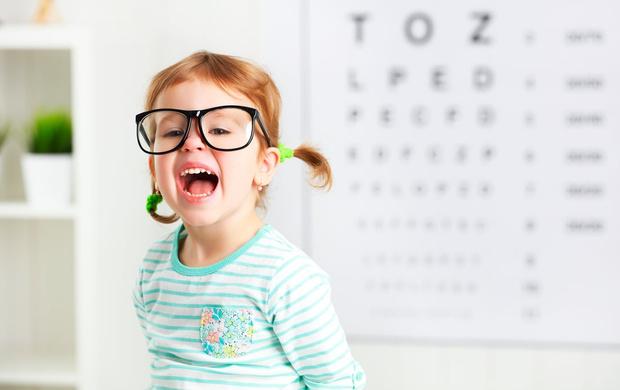 Фото №1 - В каком возрасте можно выявить астигматизм, и еще 7 вопросов детскому офтальмологу