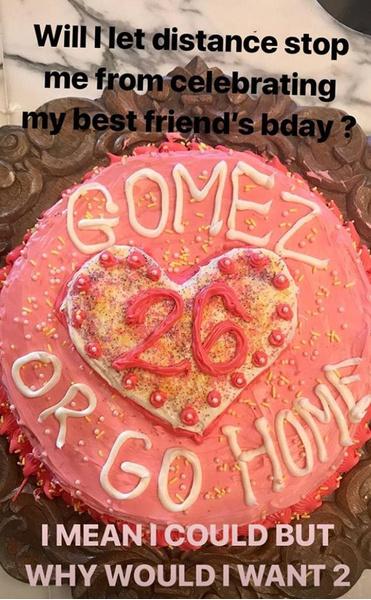 Фото №1 - Как Тейлор Свифт поздравила Селену Гомес с днем рождения