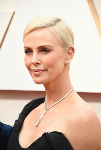 Фото №6 - Драгоценный «Оскар-2020»: самые впечатляющие украшения премии
