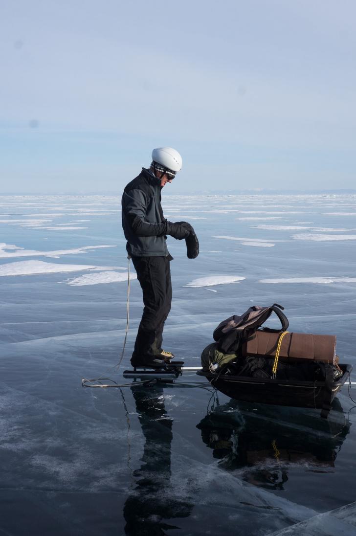 Фото №1 - «Просто космос»: кто и зачем едет на зимний Байкал