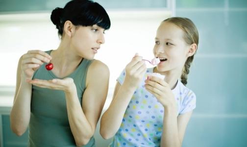 Фото №1 - Cемейные ужины приучают детей к здоровой еде
