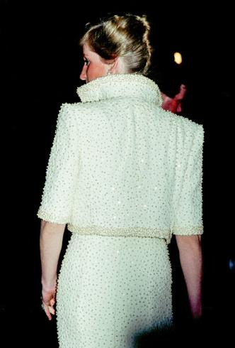 Фото №7 - Триумф или провал: история знаменитого жемчужного платья принцессы Дианы