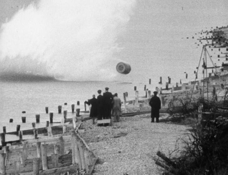 Фото №2 - Операция «Порка»: как британцы бомбили дамбы Третьего рейха «прыгающими» бомбами