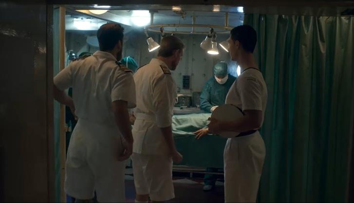 Фото №8 - На борту королевской яхты Britannia из сериала «Корона»