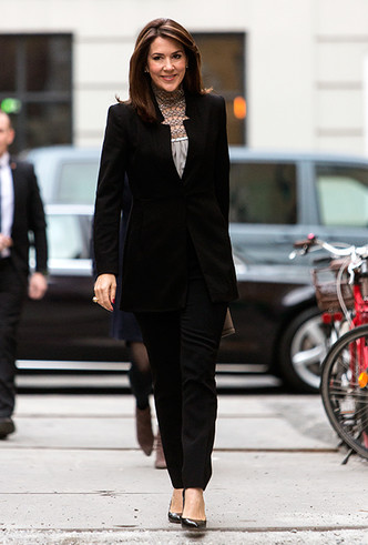 Фото №12 - «Датская Кейт Миддлтон»: 5 модных правил кронпринцессы Мэри