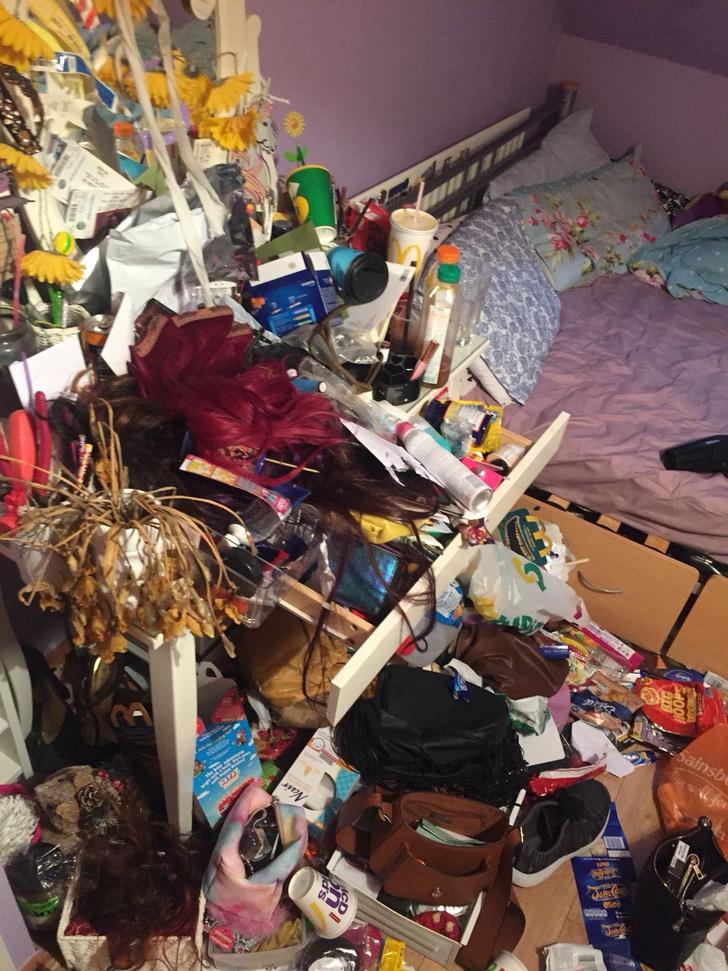 Фото №1 - Самые грязные спальни простых британцев: 16 трогательных фото