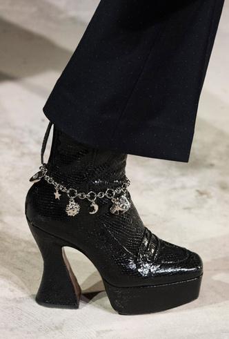 Фото №4 - Самая модная обувь осени и зимы 2019/20