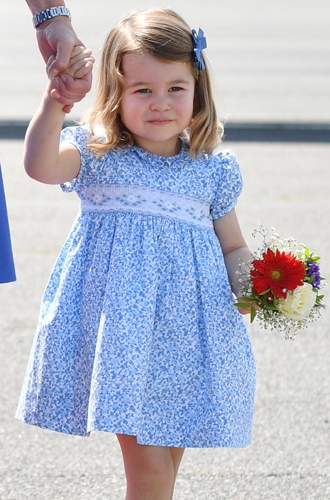 Фото №14 - Ее мини-Величество: феноменальное сходство принцессы Шарлотты с Елизаветой II