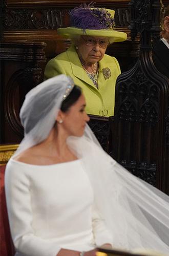 Фото №5 - Почему Меган не появляется в тиарах со дня свадьбы