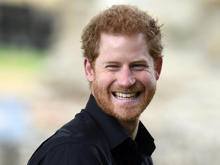 Фото №1 - Принц Гарри пишет «правдивые» мемуары: сколько ему заплатили, и как отреагировали Виндзоры