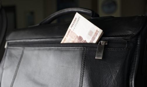 Фото №1 - Главные врачи больниц Петербурга впервые отчитались о доходах, машинах и домах за границей