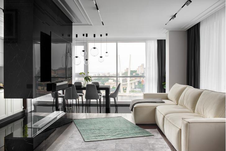 Фото №1 - Современная квартира с камином во Владивостоке