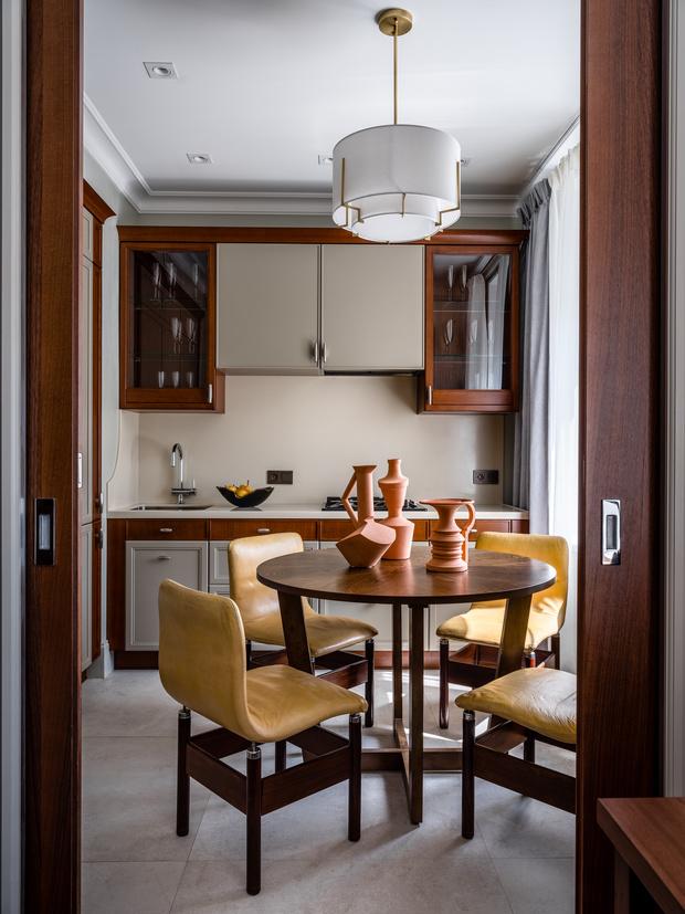Фото №1 - Интерьер месяца: анфиладная квартира в сталинке 60 м²