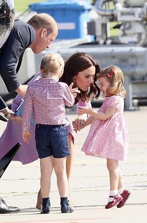 Фото №14 - Из простолюдинок в аристократки: как Кейт Миддлтон изменилась за 10 лет рядом с Королевой
