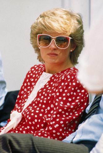 Фото №12 - Любимые солнцезащитные очки принцессы Дианы