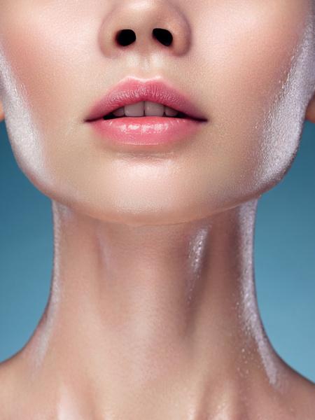 Фото №5 - Без филлеров и операций: как визуально увеличить губы