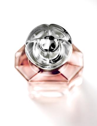 Фото №9 - Mon Guerlain: секретные ингредиенты нового аромата
