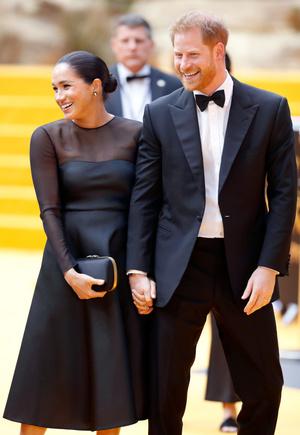 Фото №12 - Их модные Высочества: лучшие парные образы Меган и Гарри