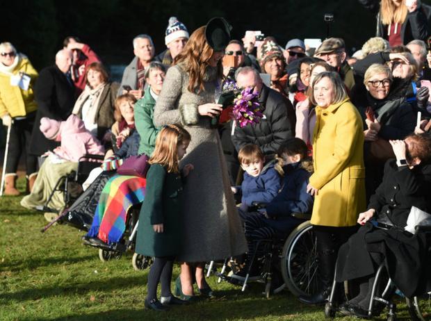 Фото №6 - Королевская семья на рождественской службе в Сандрингеме: без Сассекских, но с принцем Эндрю