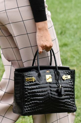 Фото №13 - Во сколько оценивается коллекция сумок Birkin Мелании Трамп?