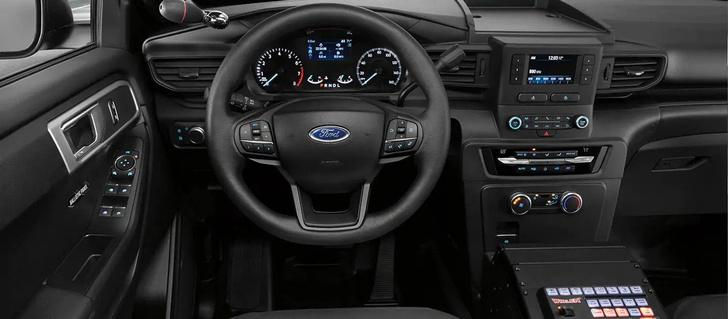 Фото №2 - Ford придумал, как дезинфицировать полицейские автомобили