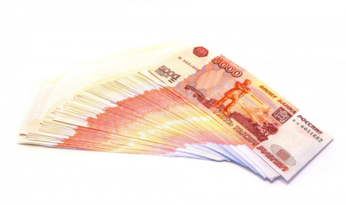 Фото №1 - На компенсацию коронавирусных потерь Минздрав получит более 2 из 14 млрд рублей, выделенных ведомствам
