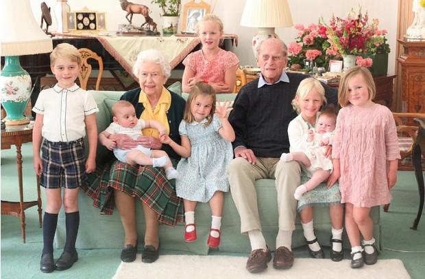 Фото №2 - Кто из членов королевской семьи будет присутствовать на похоронах принца Филиппа и как принц Гарри отбывает карантин по приезде из Канады