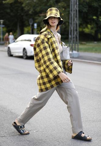 Фото №7 - Биркенштоки в городе: с чем носить самые удобные сандалии