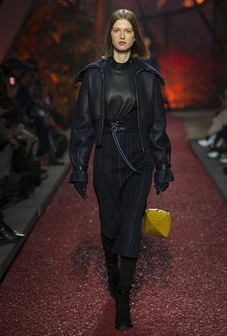 Фото №6 - Как сочетать кожаные вещи между собой: мастер-класс от Hermès FW18-19