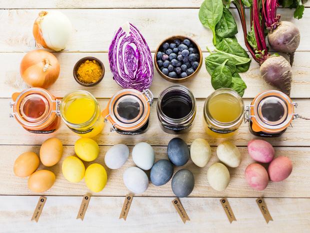 Фото №2 - 9 способов покрасить яйца на Пасху (и какой цвет нельзя использовать)