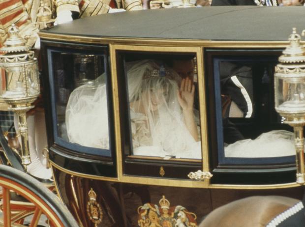 Фото №3 - Брачный конфуз: как Диана забыла о годовщине собственной свадьбы