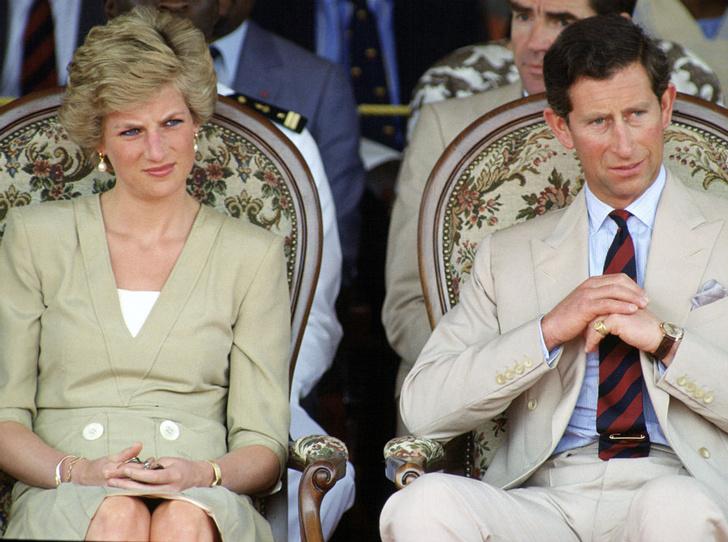 Фото №1 - Странный подход: почему Диана и Чарльз не разговаривали месяц после помолвки