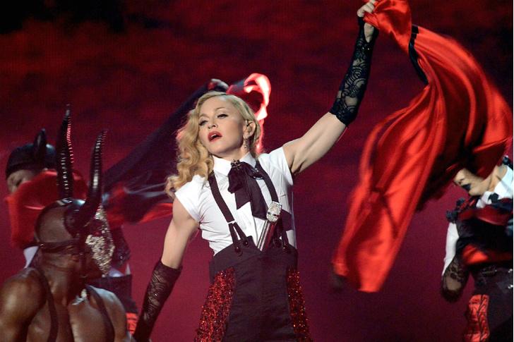 Мадонна brit awards 2015