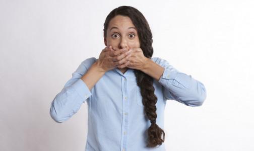Фото №1 - Эндокринолог объяснила, какой врач избавит от неприятного запаха изо рта и почему он появляется