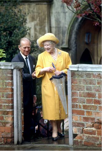 Фото №2 - Нелюбимый зять: неизвестная вражда королевы-матери и принца Филиппа
