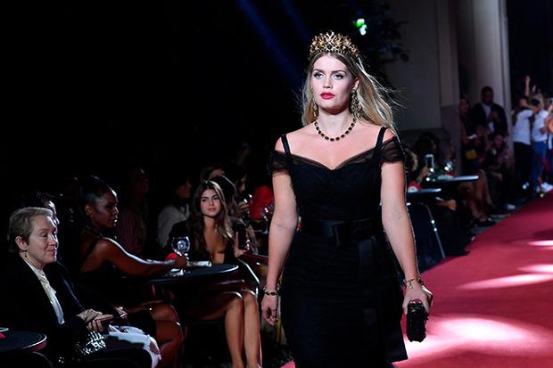 Фото №5 - Аристократки на секретном показе Dolce & Gabbana в Милане