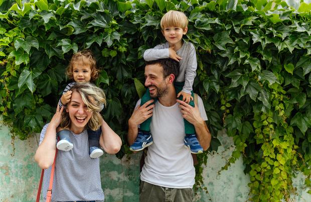 Фото №2 - Знаки различия: каким парам будет очень нелегко воспитывать детей