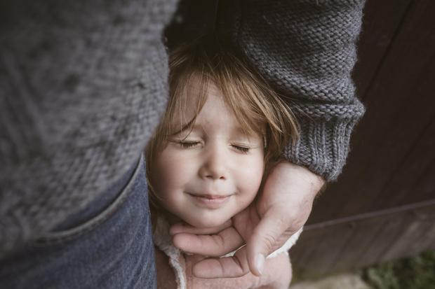 Фото №3 - 4 важных навыка, которые может привить девочке только отец