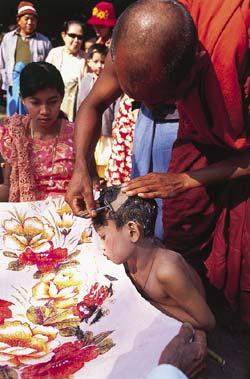 Фото №6 - Золотой поцелуй, или Главное чудо Мьянмы