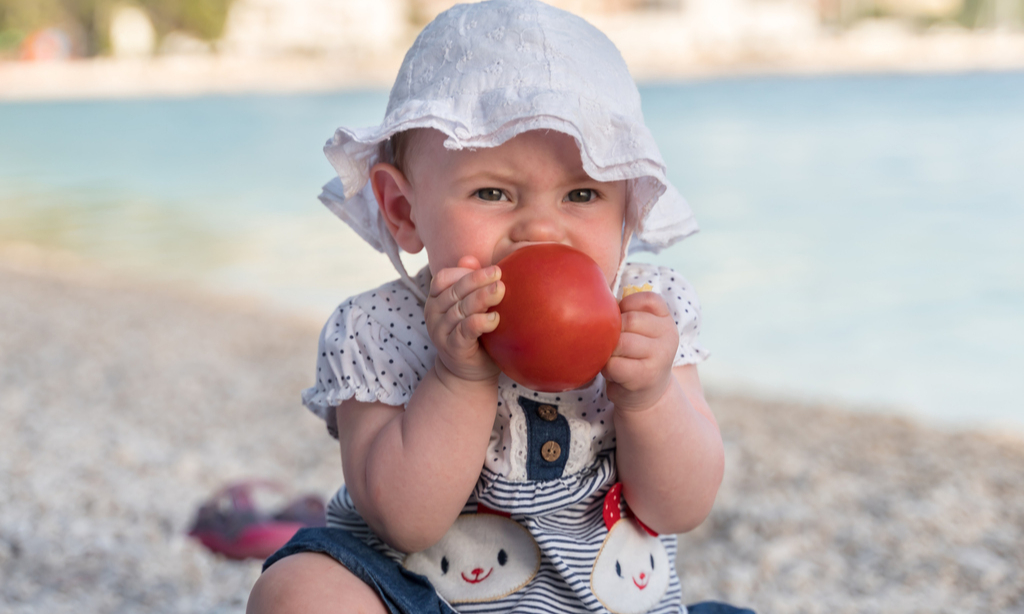 Собираемся на пляж: 10 вещей, которые нужно взять для малыша