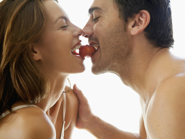 Фото №3 - 9 вредных мифов о сексе, в которые вы (возможно) все еще верите