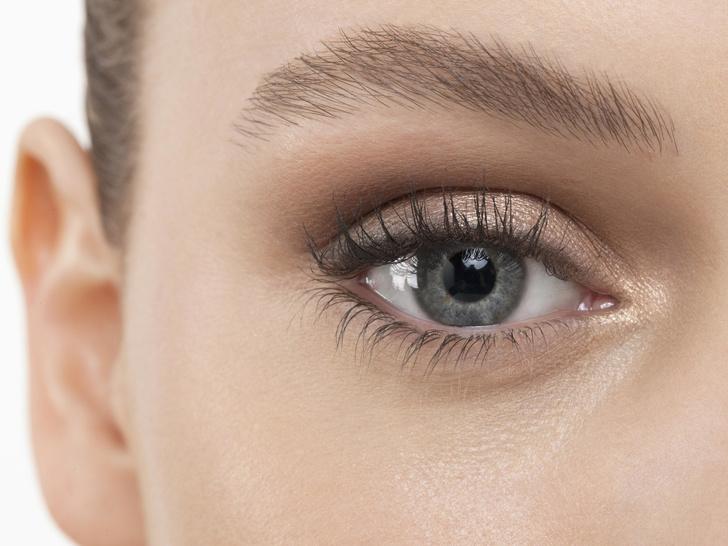 Фото №4 - Как подобрать макияж по форме и разрезу глаз: советы визажиста