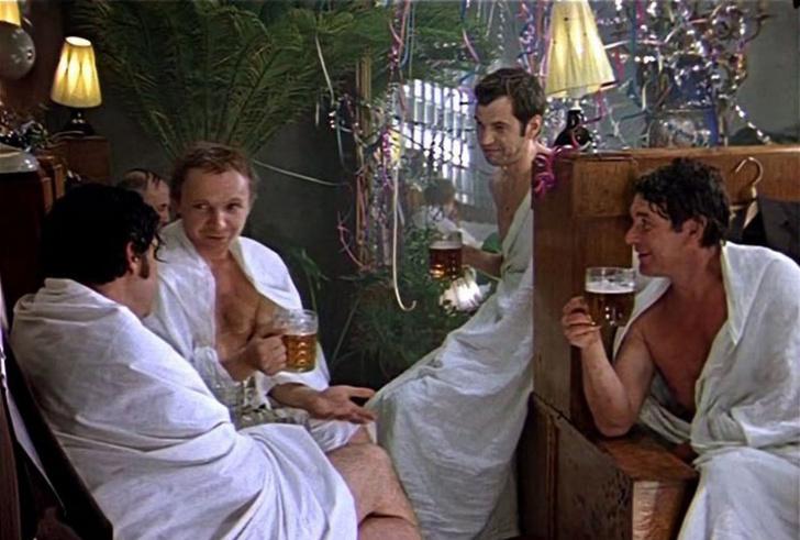 Фото №1 - Пребывание голым рядом с другими голыми людьми прибавляет уверенности в себе (исследование)