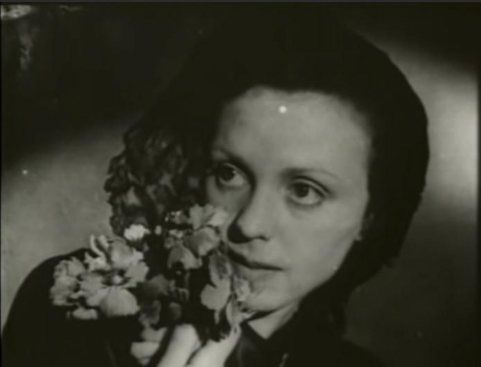Фото №5 - «Я чайка»: все о Валентине Караваевой— актрисе, которая из-за шрама на лице не могла играть в кино, сбежала от мужа-миллионера и сошла с ума
