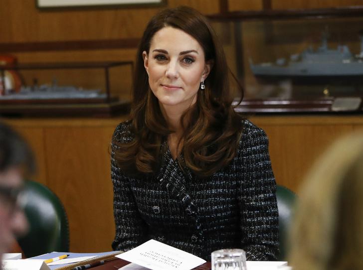 Фото №1 - Тайная дерзость: герцогиня Кейт серьезно нарушила протокол (но дворец не заметил)