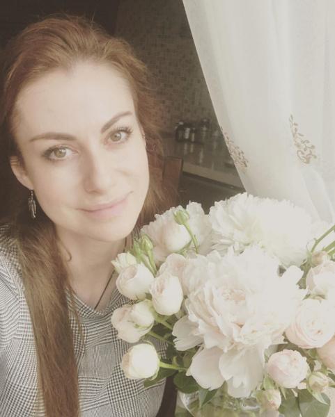Фото №2 - Анна Ковальчук узнала, что у нее есть родная сестра