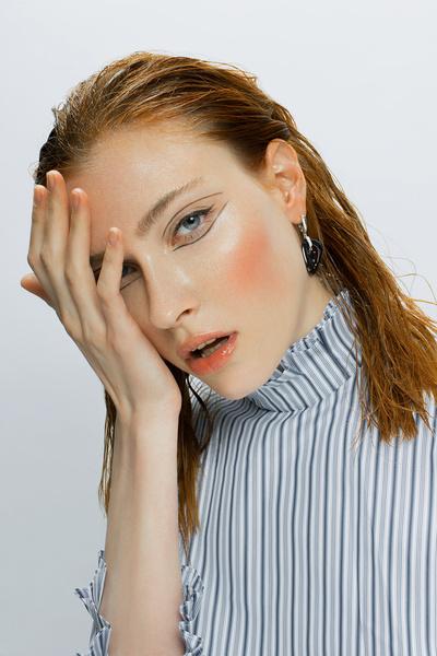 Фото №7 - В стиле «Ривердейла»: как повторить макияж Шерил Блоссом