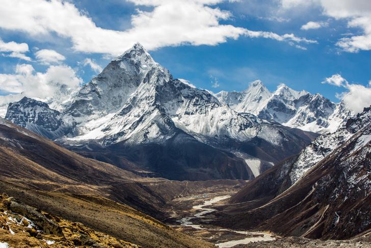 Фото №1 - Эверест сдвинулся на 3 см из-за землетрясения в Непале